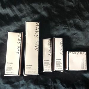 Mary Kay Time Wise foundation bronze 3 & cleanser